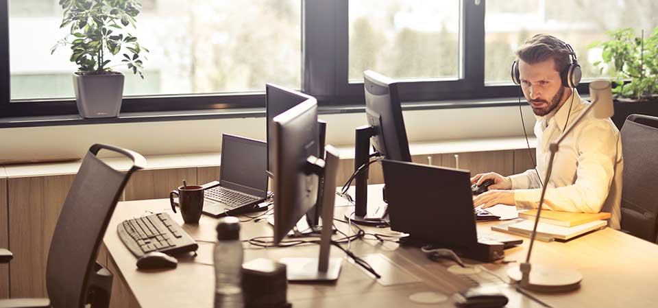 5 Reasons Why You Should Shop For Quality Office Furniture