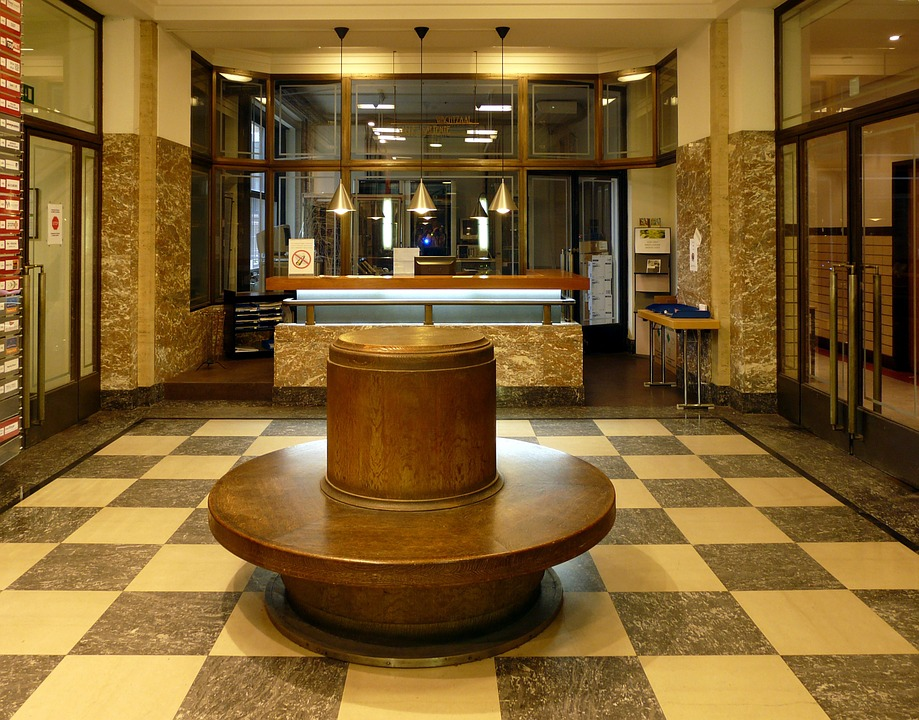 The Benefits of Investing in a Modern Reception Desk